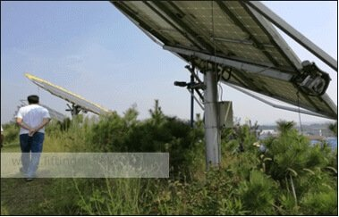 Solar panel tracking system